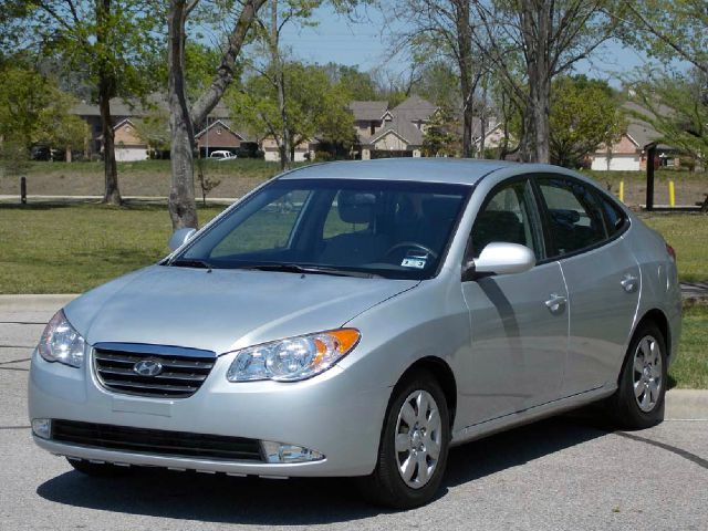 2008 HYUNDAI ELANTRA SE silver  all internet prices are reduced for cash cashiers check or sa