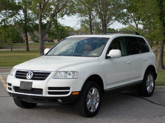 2005 VOLKSWAGEN TOUAREG V8 white  all internet prices are reduced for cash cashiers check or
