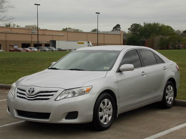 2011 TOYOTA CAMRY LE 6-SPD MT silver  all internet prices are reduced for cash cashiers check
