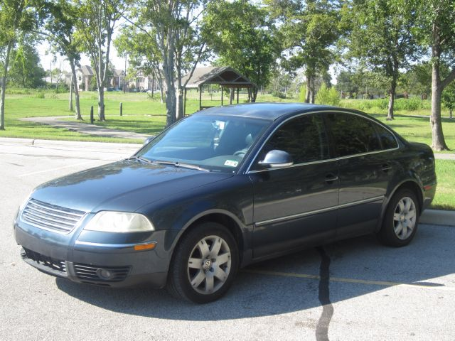 2005 VOLKSWAGEN PASSAT GLS blue  all internet prices are reduced for cash cashiers check or s