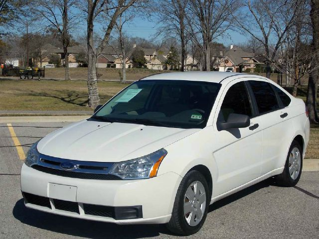 2009 FORD FOCUS S SEDAN white  all internet prices are reduced for cash cashiers check or sam
