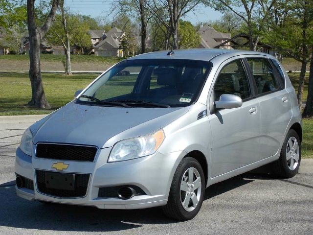 2009 CHEVROLET AVEO5 LS silver  all internet prices are reduced for cash cashiers check or sa