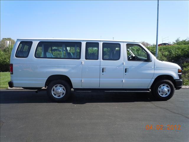 2008 Ford Econoline Wagon - Columbia, MO