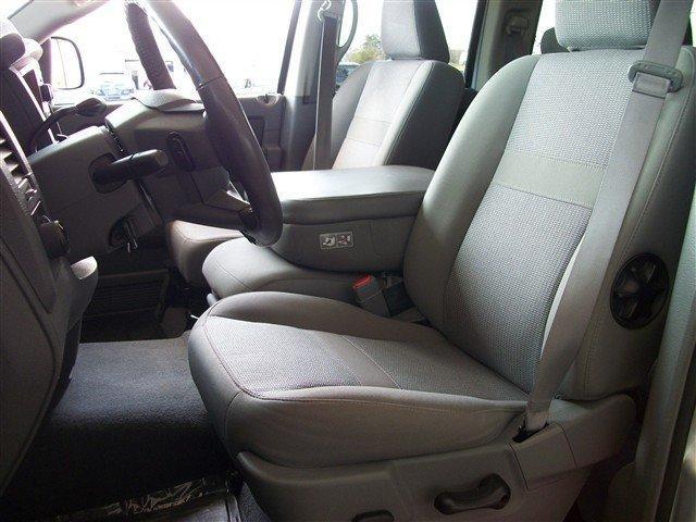 Image 2 of 2006 Dodge Ram 1500…