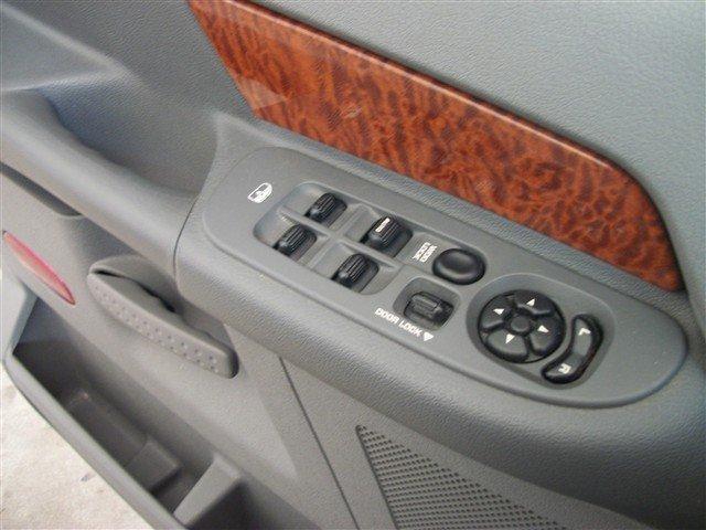 Image 14 of 2006 Dodge Ram 1500…