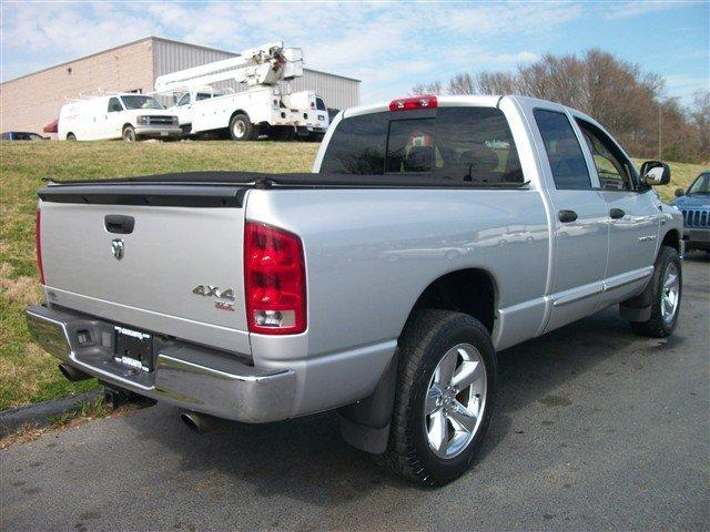 Image 18 of 2006 Dodge Ram 1500…