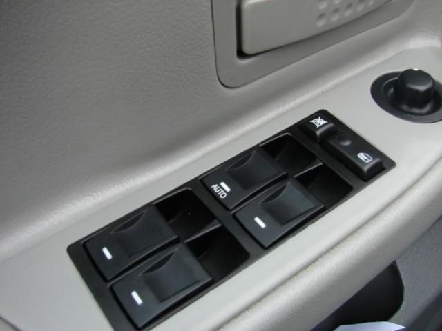 Image 12 of 2006 Dodge Dakota 8-Cylinder…