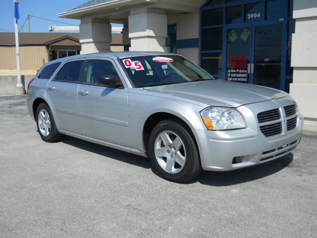 2005 Dodge Magnum
