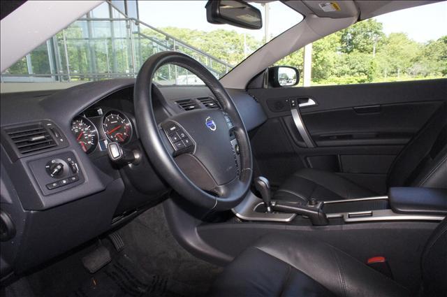Image 5 of 2010 Volvo C70 C70 5-Cylinder…