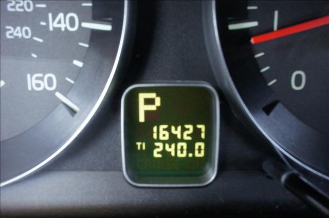 Image 8 of 2010 Volvo C70 C70 5-Cylinder…
