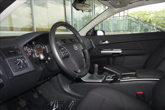 Image 5 of 2011 Volvo C30 C30 5-Cylinder…