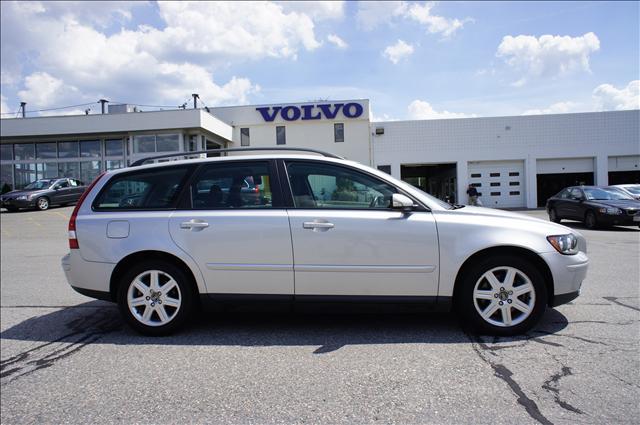 Image 1 of 2006 Volvo V50 2.4L…
