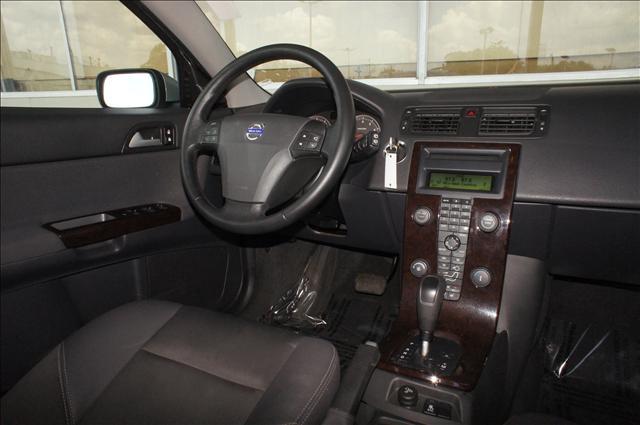 Image 5 of 2006 Volvo V50 2.4L…