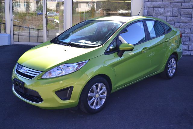 2011 FORD FIESTA SE SEDAN lime squeeze metallic sharp sedan 2011 ford fiesta se power moonro