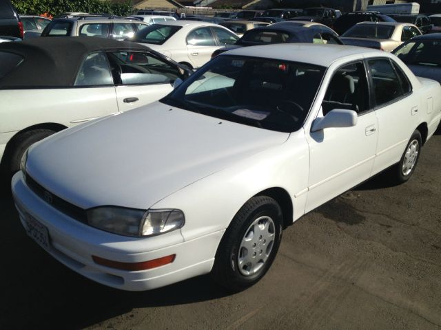 1994 TOYOTA CAMRY LE white air conditioninganti-brake system non-abs  4-wheel absbody style s