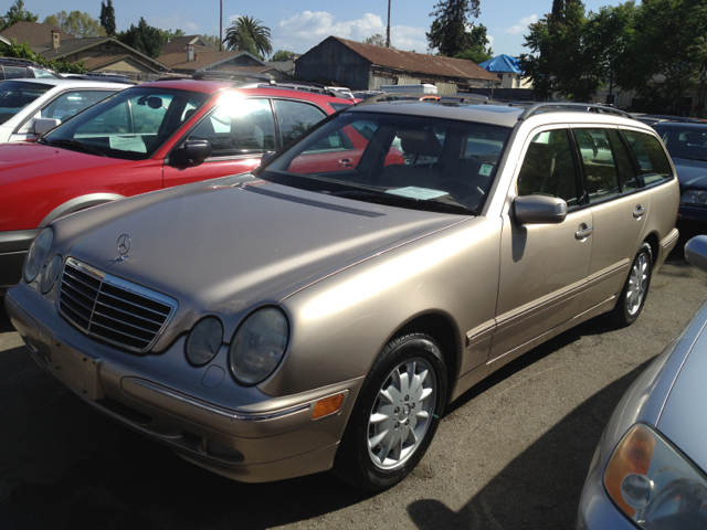 2000 MERCEDES-BENZ 190 E320 unspecified 0 miles VIN WDBJH65J7YB055366