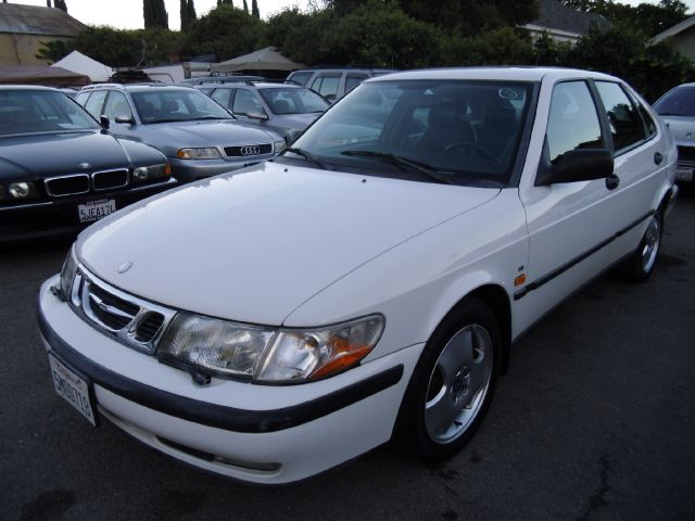 1999 SAAB 9-3 SE 5-DOOR white abs brakesair conditioningalloy wheelsamfm radioanti-brake syst