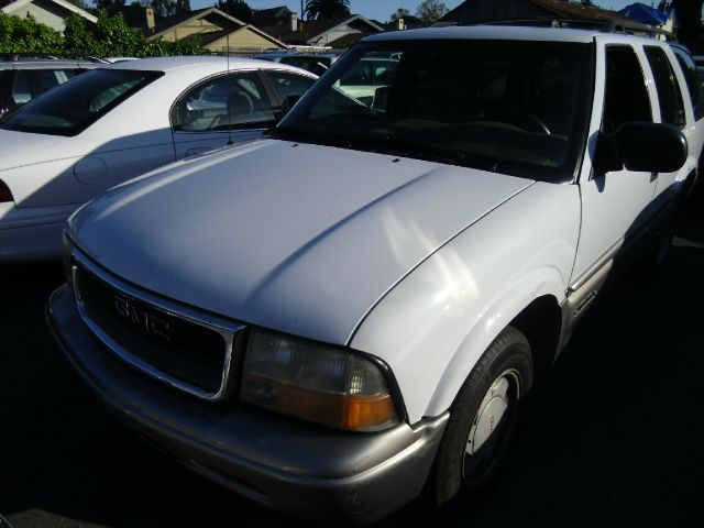 1999 GMC JIMMY SLT 4-DOOR 2WD white abs brakesair conditioningalloy wheelsamfm radioanti-brak
