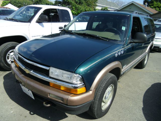 1997 CHEVROLET BLAZER 4-DOOR 4WD LT green 4wdawdabs brakesair conditioninganti-brake system 4