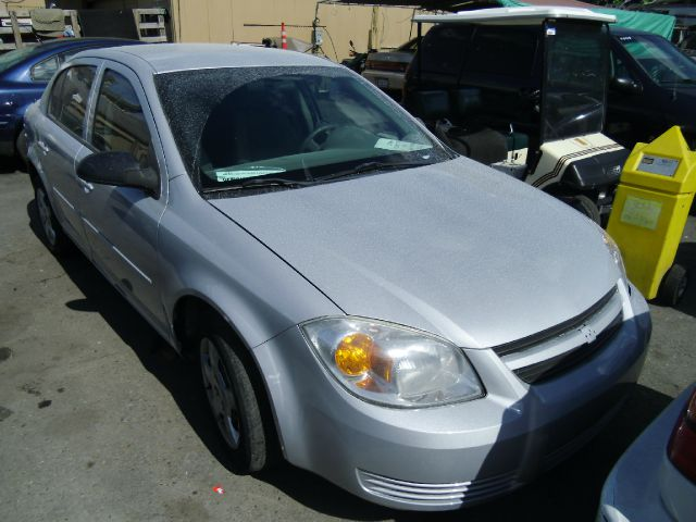2005 CHEVROLET COBALT silver 4 dooralloy wheelsamfm radioantilock brakesautomatic transmissio
