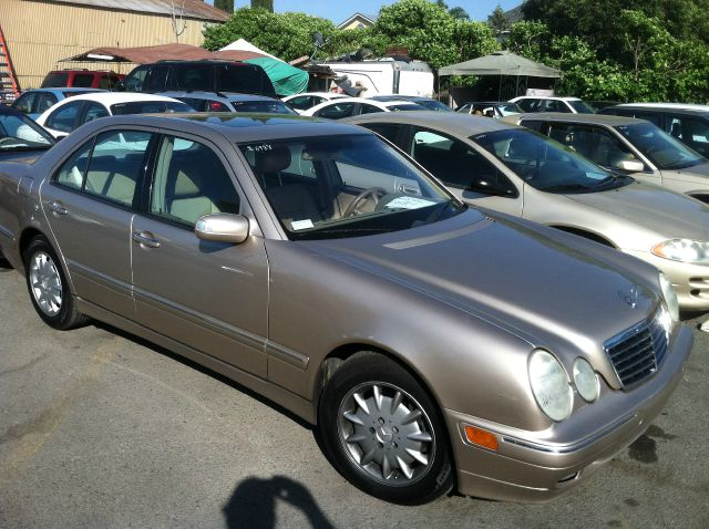 2001 MERCEDES-BENZ E-CLASS E320 gold abs brakesair conditioningalloy wheelsamfm radioanti-bra