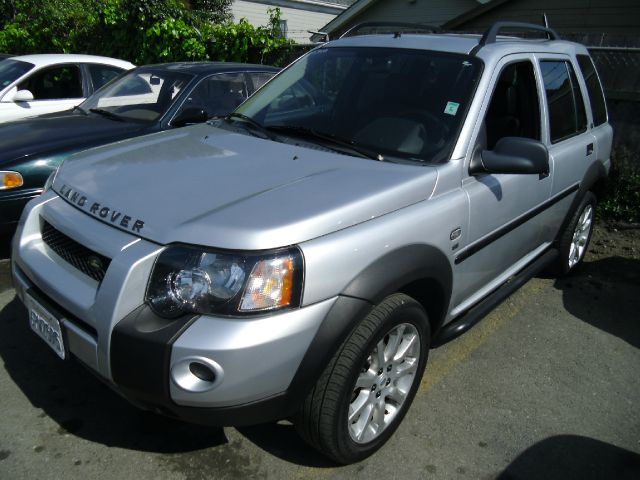 2005 LAND ROVER FREELANDER SE silver 4wdawdabs brakesair conditioningalloy wheelsamfm radio
