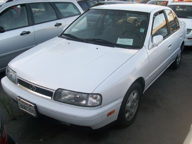 1995 INFINITI G20 white 0 miles VIN JNKCP01D7ST526541 