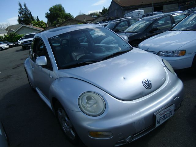 2000 VOLKSWAGEN NEW BEETLE GLS 20 silver abs brakesair conditioningamfm radioanti-brake syste