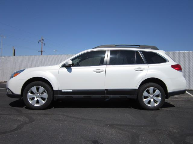Image 1 of 2010 Subaru Outback…