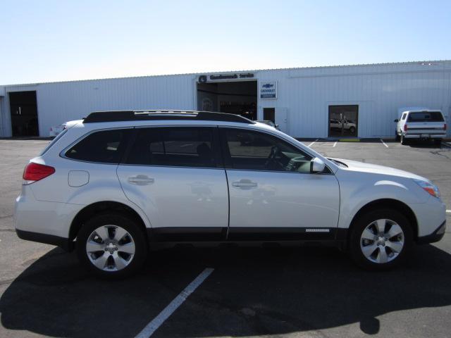 Image 16 of 2010 Subaru Outback…