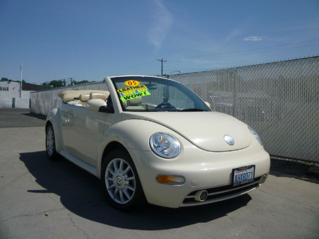 2005 Volkswagen New Beetle