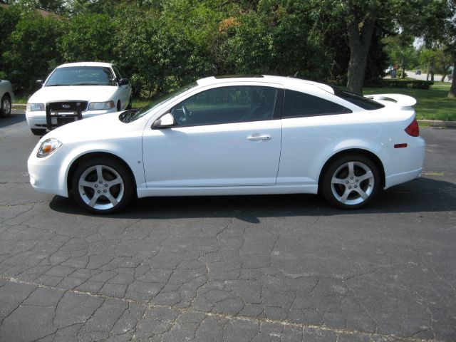 pin 2008 pontiac g5 gt coupe review on pinterest. Black Bedroom Furniture Sets. Home Design Ideas