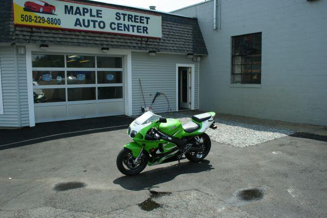 2001 KAWASAKI ZX750-P