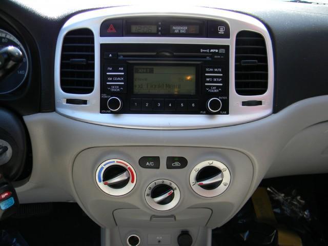 Image 3 of 2009 Hyundai Accent…
