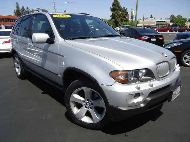 2006 BMW X5 44I silver beautiful bmw x5 with clean car fax and all  the maintenance record calif