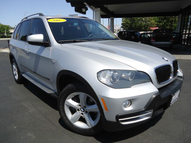 2007 BMW X5 30SI silver super claeanone ownerwith a clean carfaxall electrical and optional e