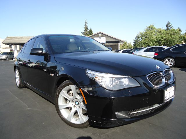 2008 BMW 5 SERIES 535I black super cleanwith all the options and a clean carfaxprem packagespo