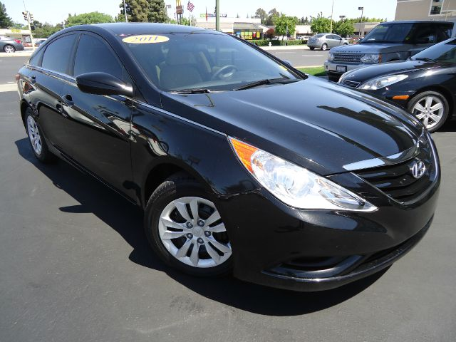 2011 HYUNDAI SONATA GLS AUTO black abs brakesair conditioningamfm radioanti-brake system 4-wh