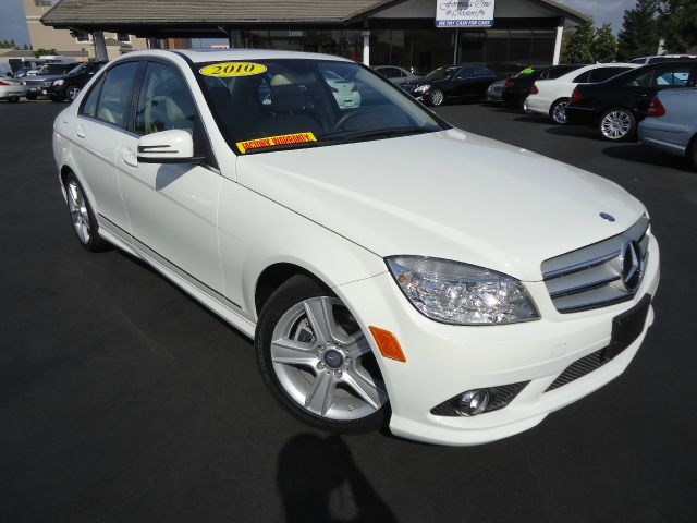 2010 MERCEDES-BENZ C-CLASS C300 LUXURY SEDAN white clean carfax prm pkg 12 navigationone of the