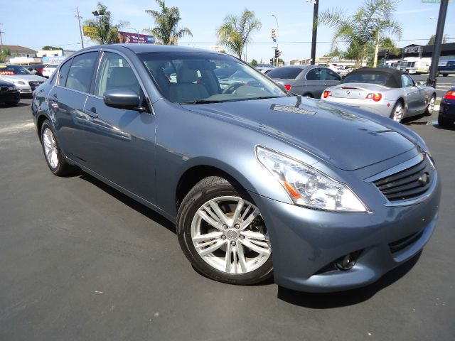 2010 INFINITI G37 G37 JOURNEY grey blue clean carfaxwell keptwith journey and cold weather pakag