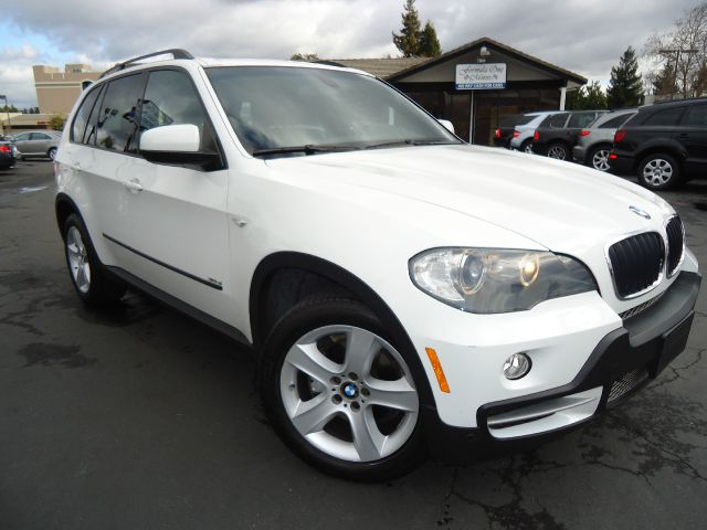 2007 BMW X5 30SI white this is clean title and  car fax no accicentcpo with a full f