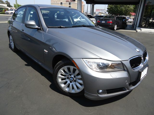 2009 BMW 3 SERIES 328XI gray 4wdawdabs brakesair conditioningalloy wheelsamfm radioanti-bra