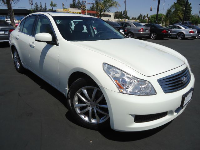 2008 INFINITI G35 JOURNEY white extra clean well maintained  clean car faxall power equipment on