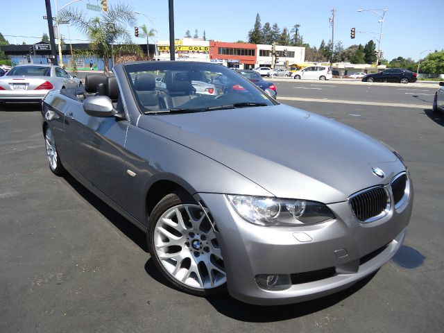2010 BMW 3 SERIES 328I CONVERTIBLE - SULEV space grey metalic fully loadedone ownerwith a clean
