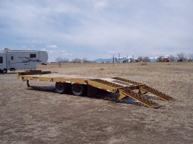 2000 Load King 102T 24' Dovetail Flatbed Trlr