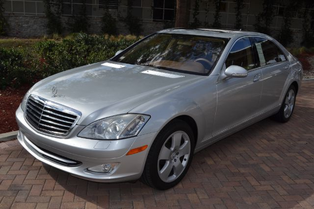 2007 MERCEDES-BENZ S-CLASS S550 silver we have financing available for all yours financial needs