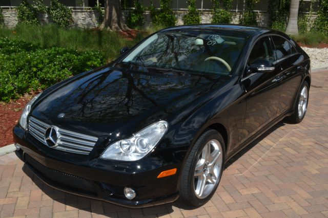 2007 MERCEDES-BENZ CLS-CLASS CLS550 4-DOOR COUPE black come and see first hand this beautiful merc