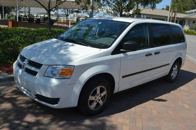 2008 DODGE GRAND CARAVAN SE white we have financing available for all yours financial needs  you