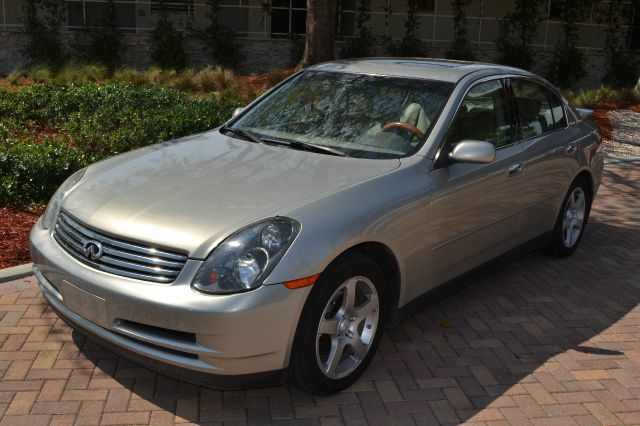 2004 INFINITI G35 SEDAN WITH LEATHER silver come see this very luxurious perfect for the whole fa