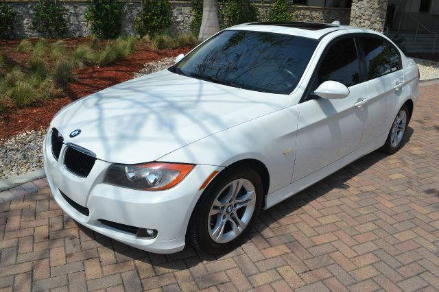 2008 BMW 3 SERIES 328I white we have financing available for all yours financial needs  you just